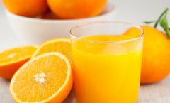 Направете 9 литри сок со само 4 портокали