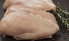 Кобна грешка на многу готвачи: Ако го правите ова со пилешкото месо, го ризикувате здравјето
